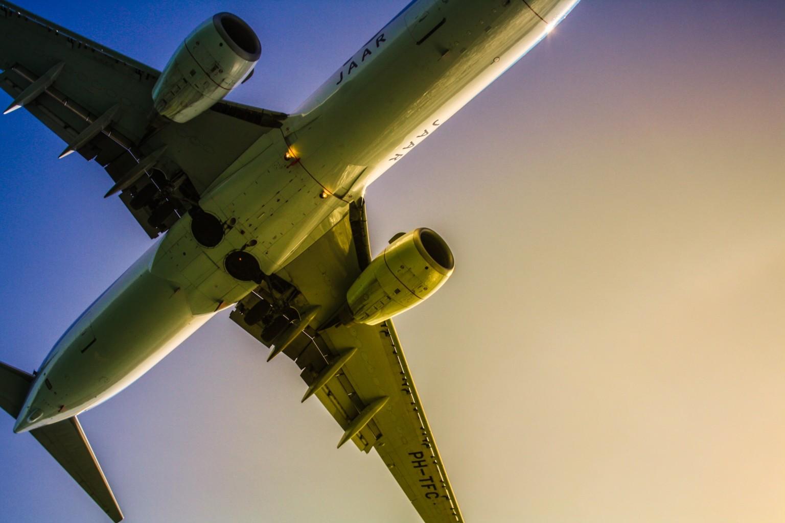 how to avoid av travel fees
